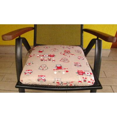 Piros baglyos kötős ülőpárna 38 x 41 x 5 cm