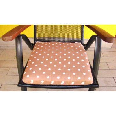 Pöttyös Drapp  kötős ülőpárna 38 x 41 x 5 cm