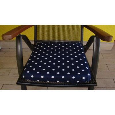 Pöttyös sötétkék alapú kötős ülőpárna 38 x 41 x 5 cm