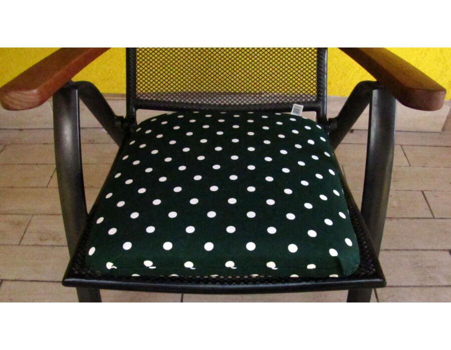 Sötét zöld alapú pöttyös kötős ülőpárna 38 x 41 x 5 cm